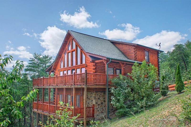 Grizzly Manor - Image 1 - Pigeon Forge - rentals