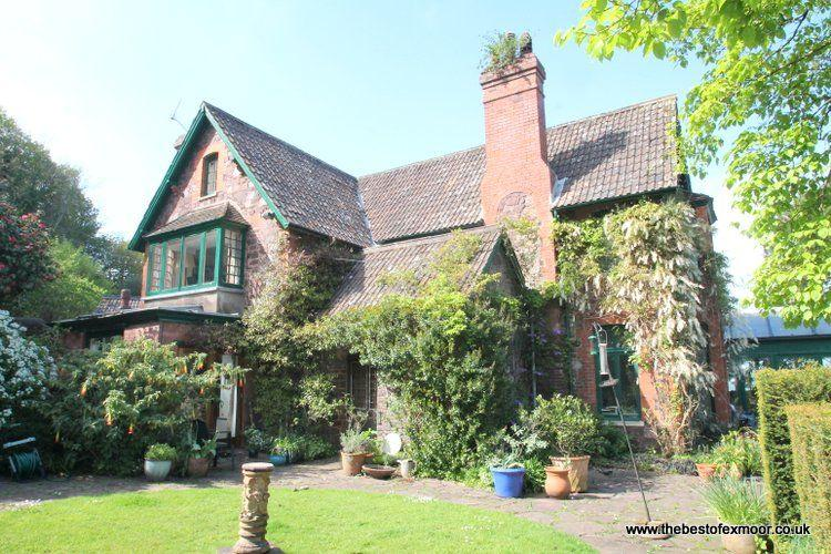 Chapel Knap, Porlock Weir - Large property with stunning gardens and fabulous coastal views - Image 1 - Porlock Weir - rentals