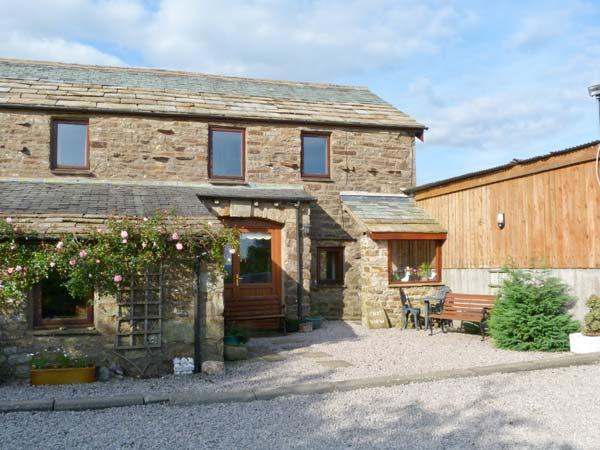 KNOTT VIEW, country holiday cottage, with a garden in Sedbergh, Ref 1097 - Image 1 - Sedbergh - rentals
