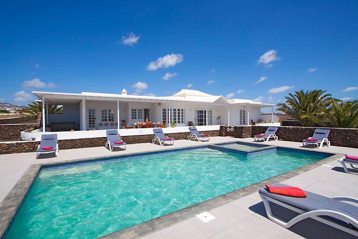 Villa LVC198416 - Image 1 - Puerto Del Carmen - rentals