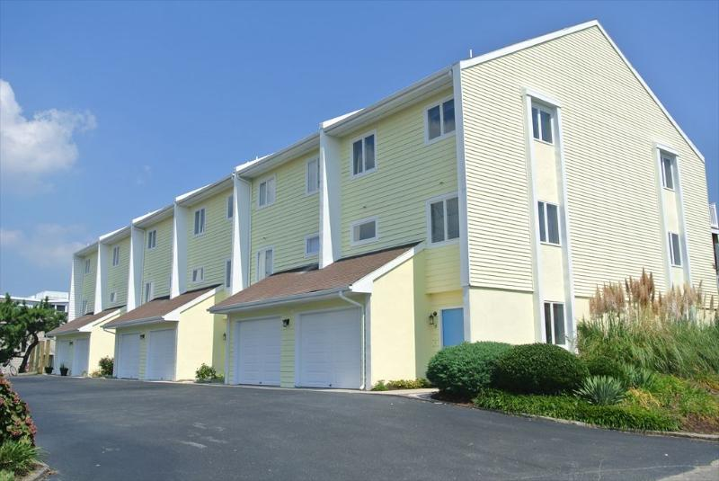 Large 4 bedroom, 3 bath townhouse with loft and deck - only 1 block to the ocean! - Image 1 - Bethany Beach - rentals