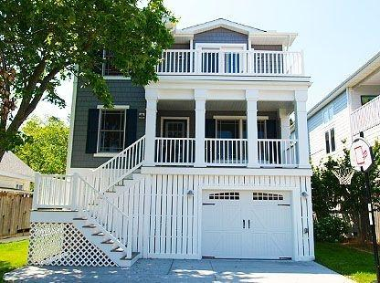 Bright and cheery 5 bedroom, 4.5 bath home only 2 blocks from the beach - Image 1 - Bethany Beach - rentals