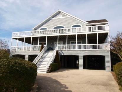 5 bedroom, 4.5 bath home - 1/2 block to the ocean! - Image 1 - Cedar Neck - rentals