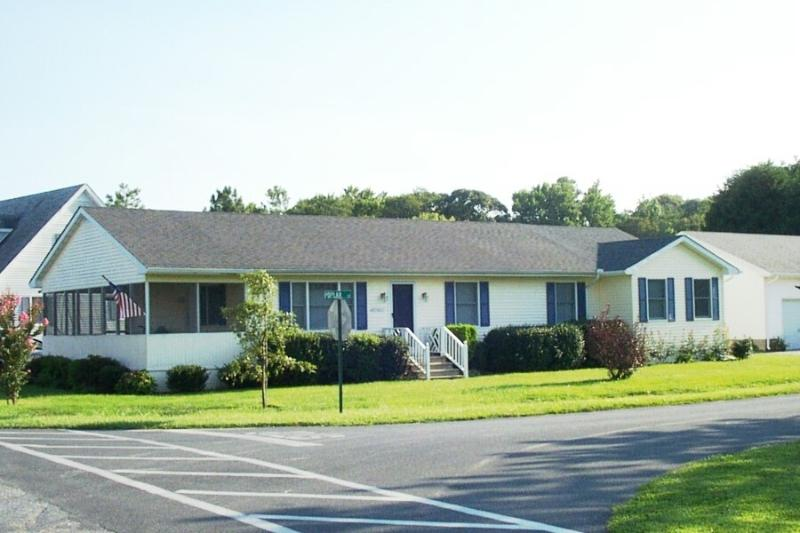 Remodeled 5 bedroom home with master suite. Steps to pool and tennis! - Image 1 - Bethany Beach - rentals