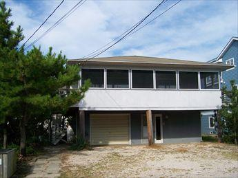 4 bedroom house with porch. Close to private beach! - Image 1 - Bethany Beach - rentals