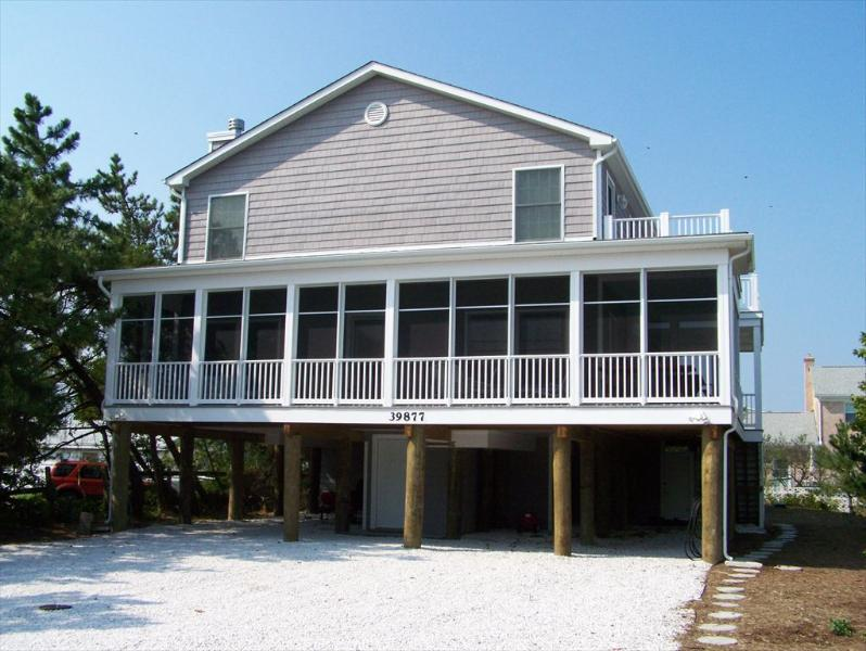 5 bedroom beach home with master suites and private decks - Image 1 - Bethany Beach - rentals