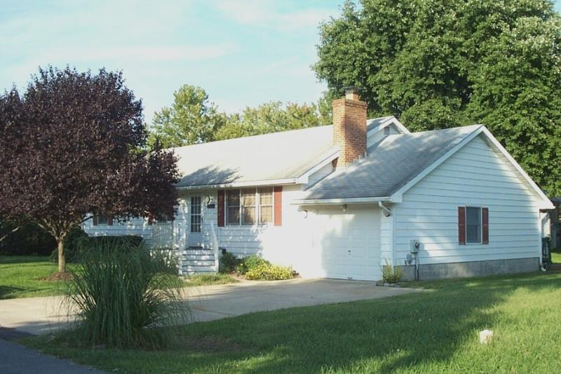 Lovely 3 bedroom, 2 bath air conditioned home on a quiet cul-de-sac. - Image 1 - Bethany Beach - rentals