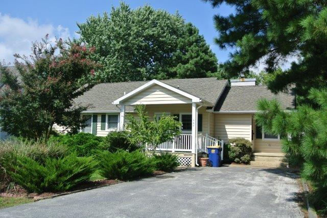 Well maintained 3 bedroom home on wooded lot - Image 1 - Bethany Beach - rentals