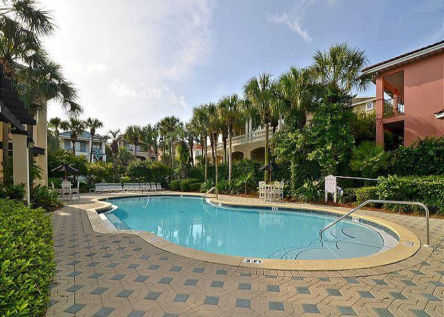 Varazze Villa - Community Pool With Covered and Uncovered Seating - Varazze Villa - Destin - rentals