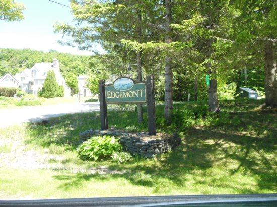 Edgemont B3 - Exterior - Edgemont Condo B3 - One bedroom One bathroom Nicely Furnished Shuttle to Slopes/Ski Home - Killington - rentals