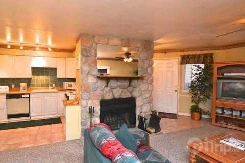 Open living area with kitchen, dining,living room - Suncreek Downtown Park City - Park City - rentals