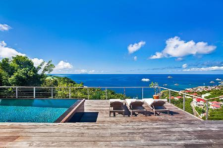 Newly renovated Island View Villa with large sunny deck, pool & sunset views - Image 1 - Lurin - rentals