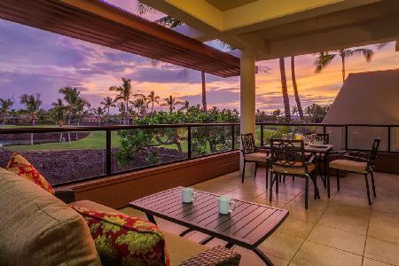 Spectacular penthouse condo Mauni Lani Point with stunning views & access to resort amenities - Image 1 - Mauna Lani - rentals