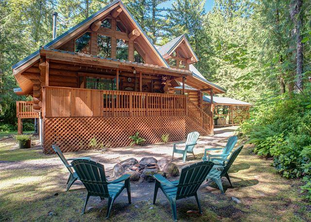 Riverwoods Lodge - Riverfront, Hot Tub, Dogs OK - Image 1 - Oregon - rentals