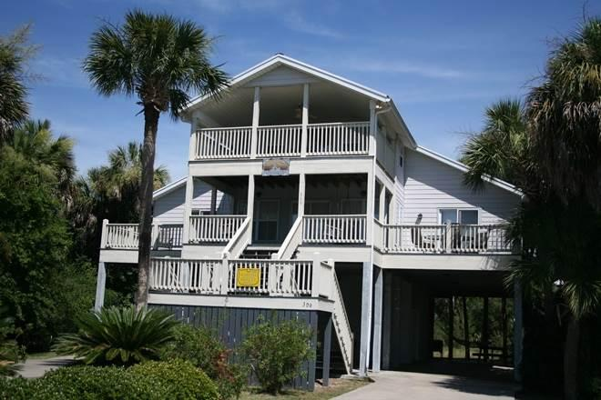 "309 Seaview Lane - ""Littlejohn Retreat"" - Image 1 - Edisto Beach - rentals"