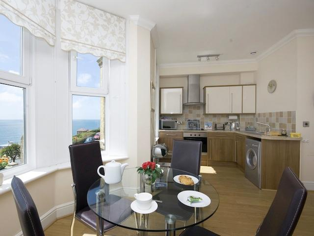 Dining area, with lovely seaviews - Millers Rock, Ventnor - Ventnor - rentals