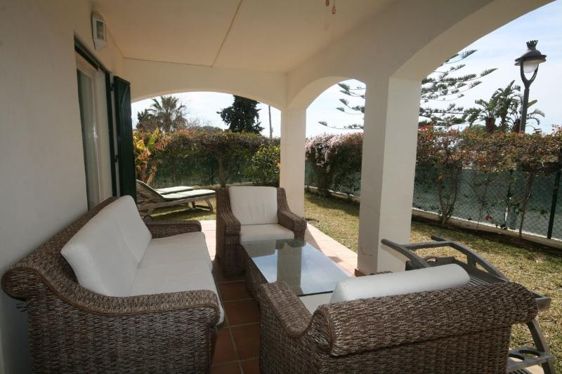 2 bed apartment, Cabopino - 1266 - Image 1 - Marbella - rentals