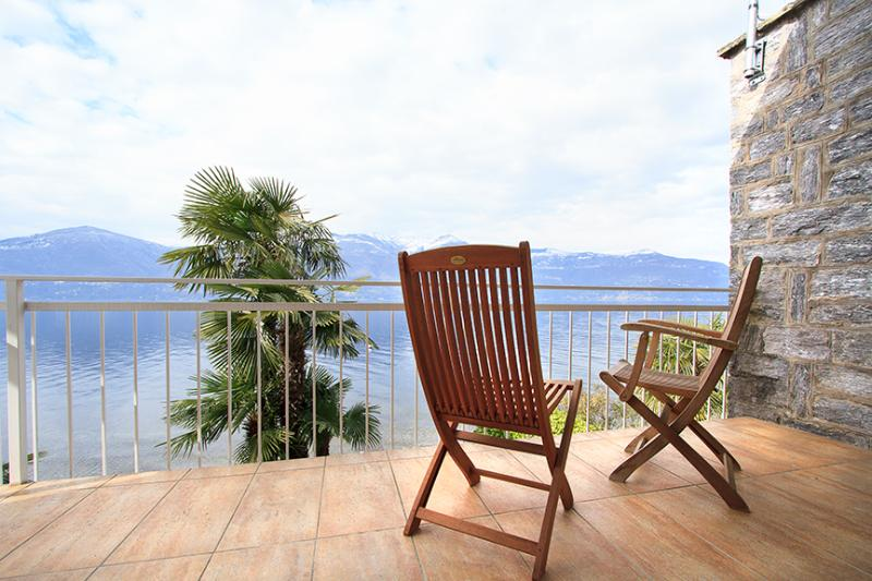 Balcony with lake view - Italian Lakes 3 bed villa - BFY111 - Porto Valtravaglia - rentals