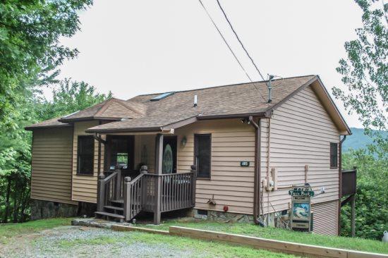 TWIN PEAKS 2/MALU- located in the Last Resort, Blue Ridge - Image 1 - Blue Ridge - rentals