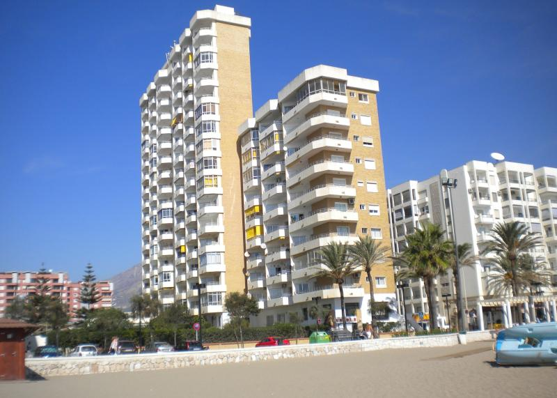 Ronda 3 Apartments viewed from the beach - RONDA 3 SEAFRONT APARTMENT - Fuengirola - rentals