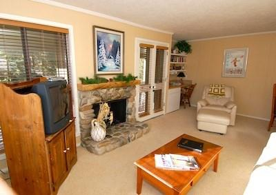 Living Room with Fireplace - Cottonwood Condo 1419 at Sun Valley Resort - Sun Valley - rentals