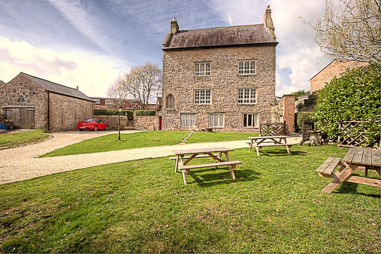 The front of the manor - Medieval Manor House - Caldicot - rentals