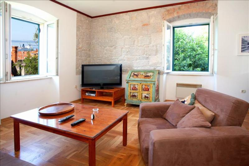 Traditional Dalmatian Apartment - Image 1 - Split - rentals