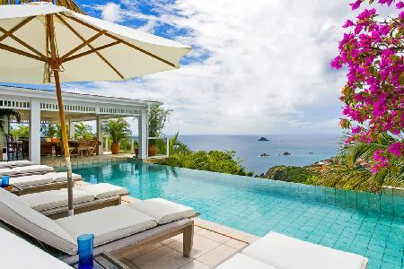 Blazing Oasis Villa offers lush tropical gardens and an infinity pool - Image 1 - Lurin - rentals