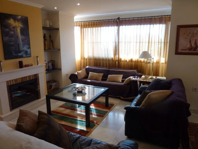 026_renamed_7324.jpg - Large 5 Bed Luxury Apartment - Estepona - rentals