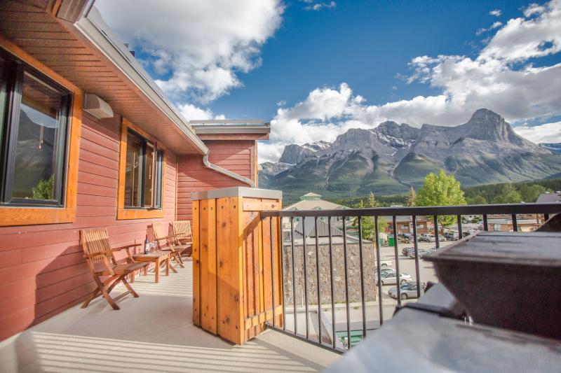 Sit on the deck with your morning coffee and take in the view of Ha Ling & Rundle ! - Great Mountain Views - Canmore - rentals