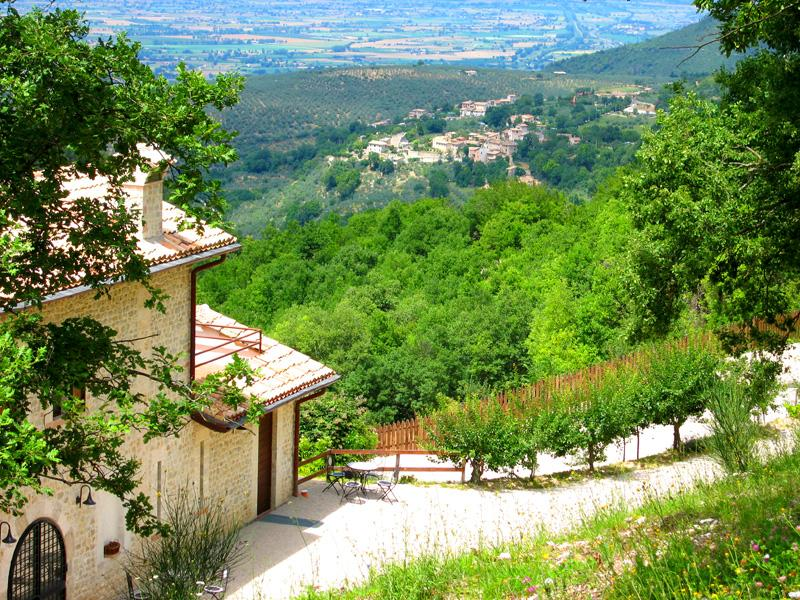 APT E at front of photo - 1 storey part of Villa Marianna - terrace immediately outside with BBQ - Villa Marianna : APT E - 7 miles to Spoleto centre - Spoleto - rentals
