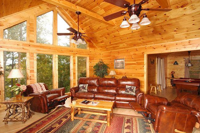spacious living room - Secret Hideaway - Gatlinburg - rentals