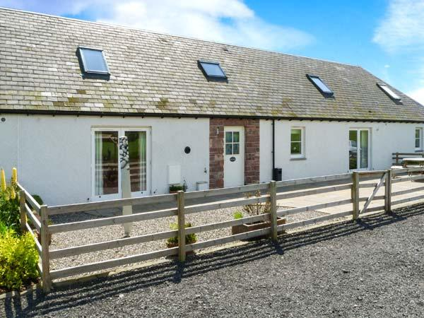 MUIR IOSAL, en-suites, off road parking, garden, in Blairgowrie, Ref 28089 - Image 1 - Blairgowrie - rentals