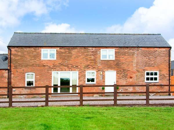 THE BARNS, WiFi, electric stove, enclosed patio with furniture, Ref, 912386 - Image 1 - Market Drayton - rentals