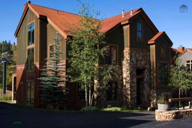You're right next to the lifts when you stay at Meadow Grove. - Meadows, mountains, and more - Ski in/out - Meadow Grove at the Terraces - Mountain Village - rentals
