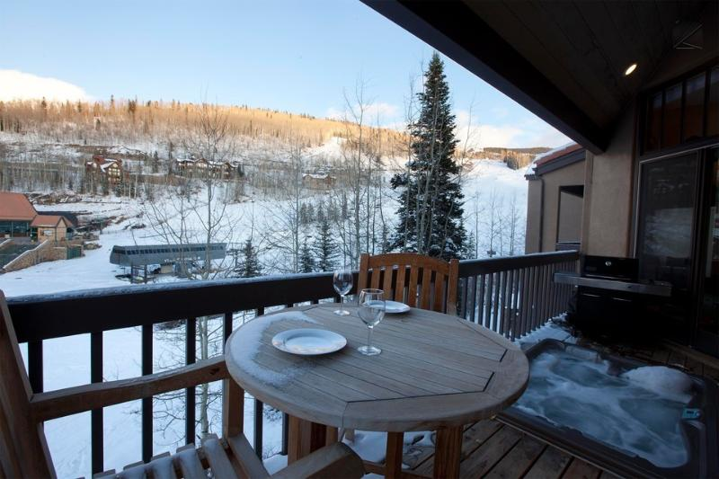 Soak your worries away in the hot tub as you watch skiers come down to lift 4. - A home sent from on high - Ski in/out, Mountain Village core - Kayenta Peaks - Mountain Village - rentals