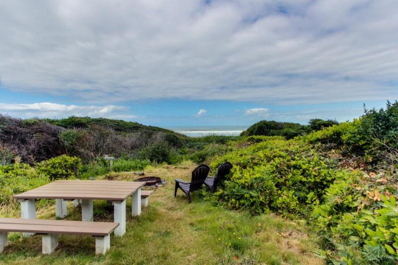 Dog-friendly oceanfront cabin in the trees with gorgeous views - Image 1 - Yachats - rentals