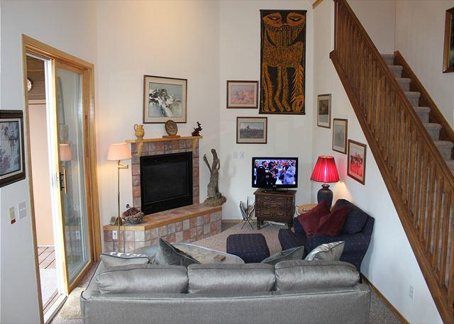 Picture Name - BR216G Roomy Condo w/Great Views, Wifi, Fireplace, Clubhouse & Carport - Silverthorne - rentals