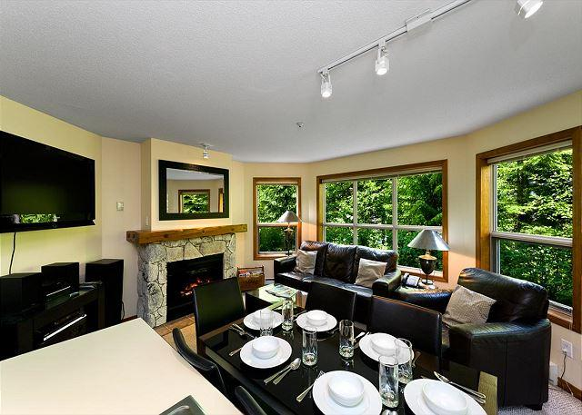 Living & Dining Area - Aspens #127, 2 Bdrm, Ski-in Ski-out, Serene Forest View, Free Wifi - Whistler - rentals