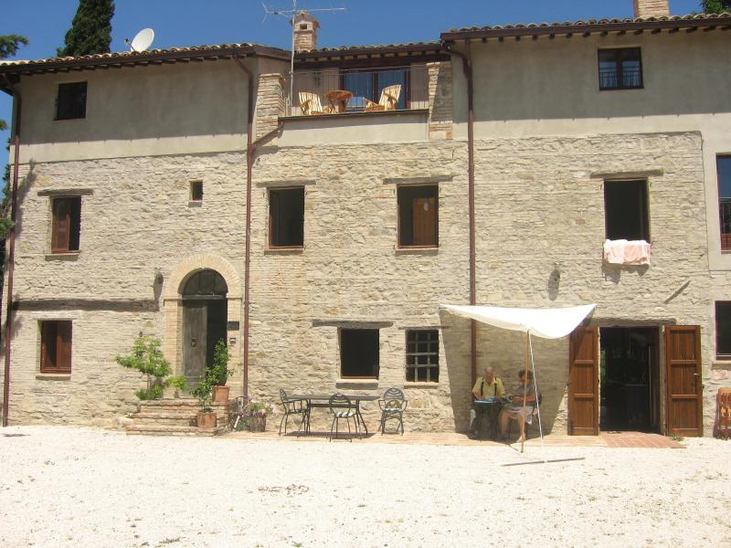 Front of villa - Il Drago - Cingoli - rentals