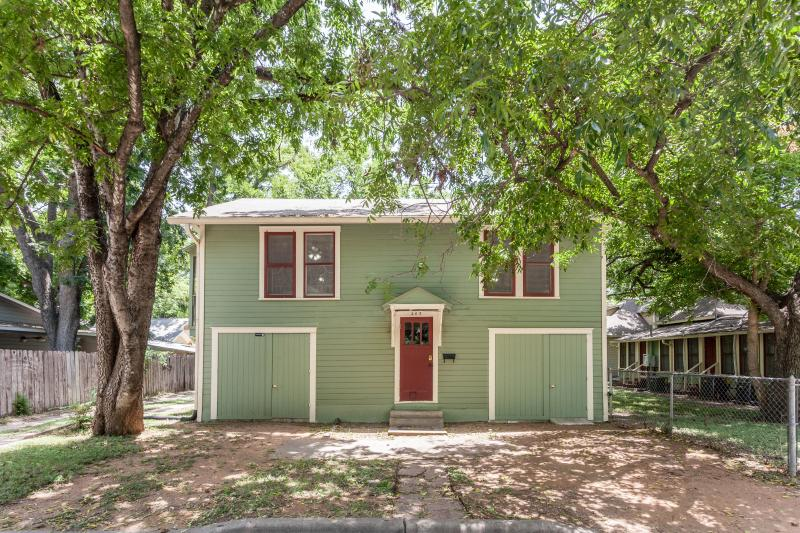 2BD/1BA - The Treehouse - 1930's Hyde Park Home - Image 1 - Austin - rentals