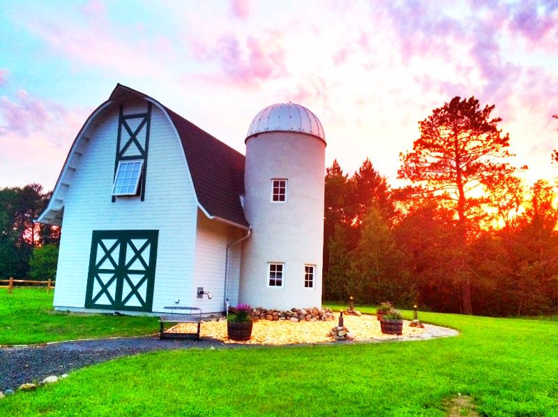 Summer Sunset - The Green Gate Barn Home - Biwabik - rentals