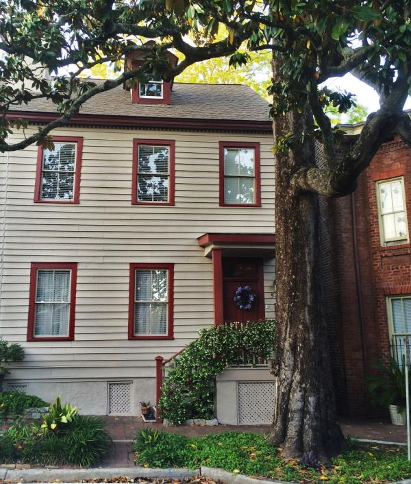 Taylor Manor front view - Gorgeous Historic Manor-heart of downtown-walk it! - Savannah - rentals