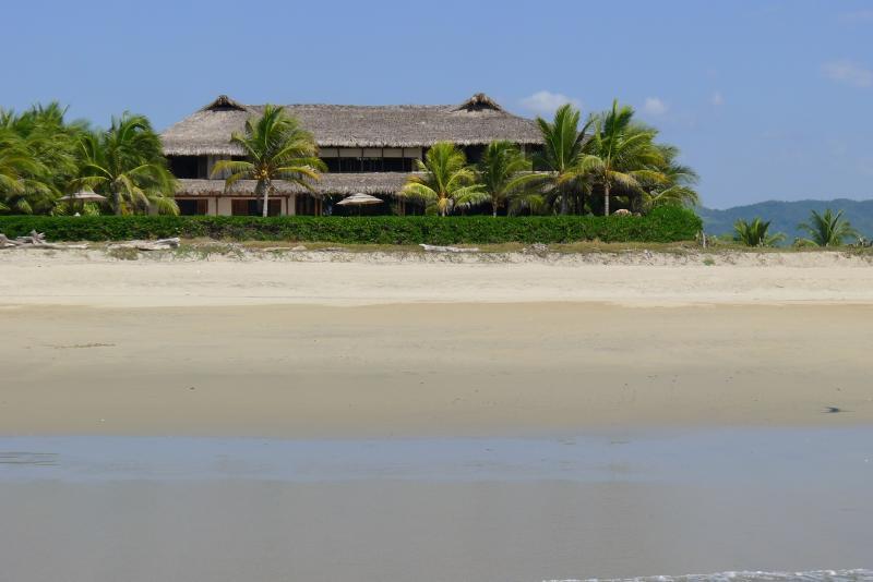The Villa in paradise - Luxury Oceanfrontvilla, 25meter Pool,Best Location - Puerto Escondido - rentals