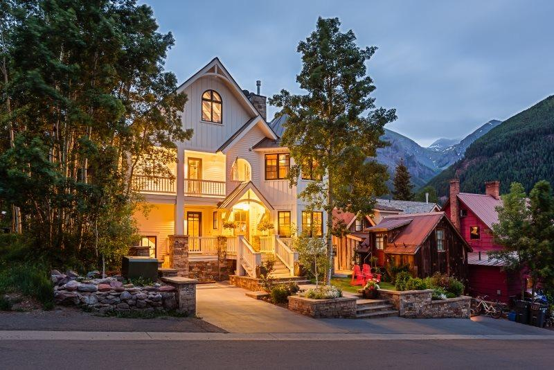 302 N. Aspen Downtown Telluride Vacation Rental For 10 Guests - Image 1 - Telluride - rentals