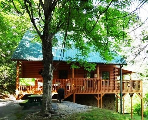 Front of our Cabin, Flat and lots of parking - VIEW - Clean - PRIVATE-Book via VRBO #172195 - Gatlinburg - rentals