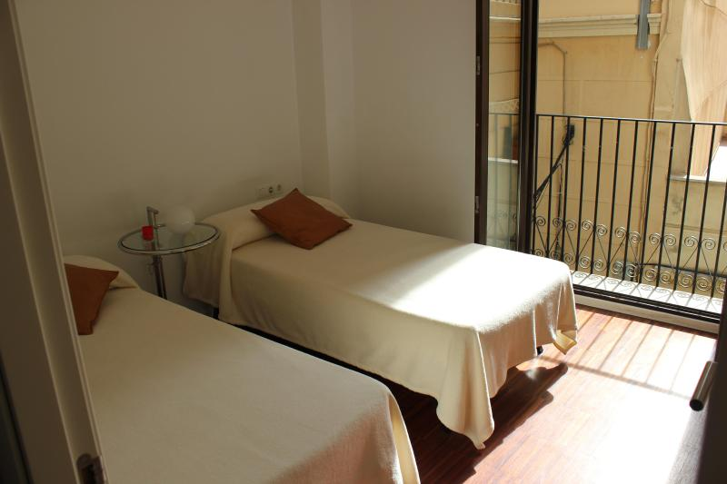 dormitorio - CENTRAL AND MODERN FLAT - 5 PEOPLE - Valencia - rentals