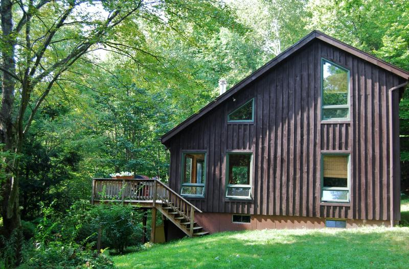 Grass yard surrounded by tall trees - Private Berkshire Home on 27 acres near Jiminy Peak - Hancock - rentals