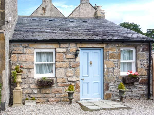 LITTLE BOYNE HOUSE, terrace with furniutre, WiFi, en-suite bathroom, Ref 913725 - Image 1 - Forres - rentals