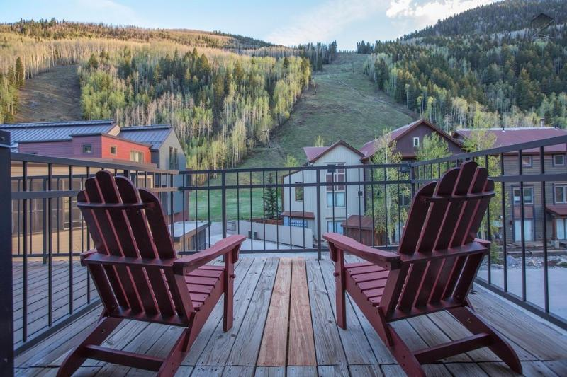Pick out the skiers on the slopes from the Master Bedroom balcony. - Slopeside views off the front porch. Ski in/out, private hot tub - Cimarron Peaks - Telluride - rentals
